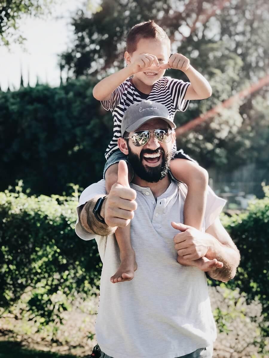 pasar tiempo con los padres es un de los mejores hábitos para niños y niñas